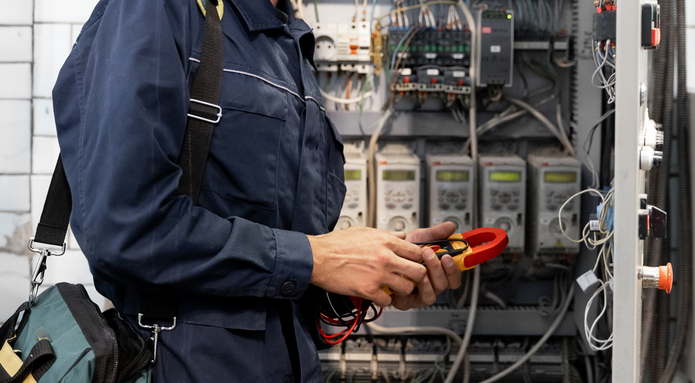 Differences Between A Standard Electrician And An Industrial Electrical Contractor In Sydney